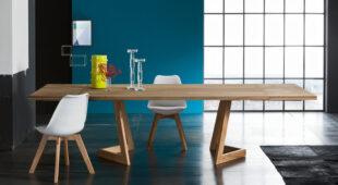 Alta Corte Eco02 tavolo allungabile Parigi con gambe Seven e sedie Space