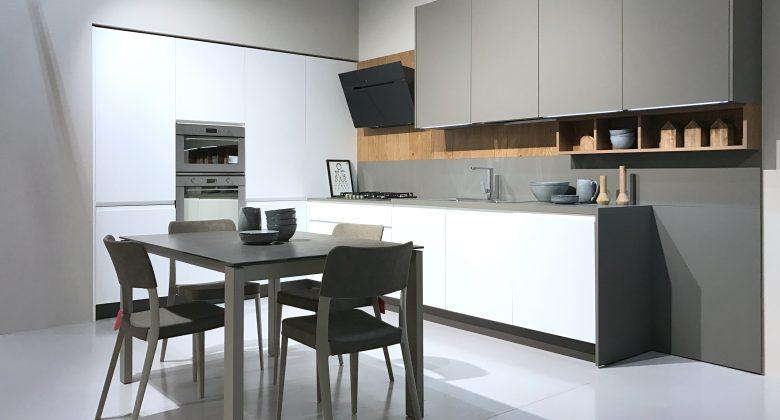 Abita Arreda showroom Treviso cucina moderna ad angolo